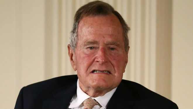 Hospitalizan de nuevo al expresidente George HW Bush en Houston