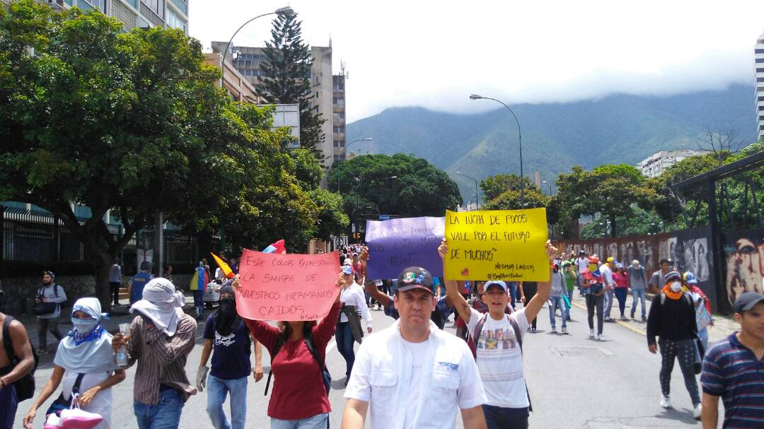 FOTOS y VIDEO: GNB reprime a manifestantes en la Francisco Fajardo #19Junio